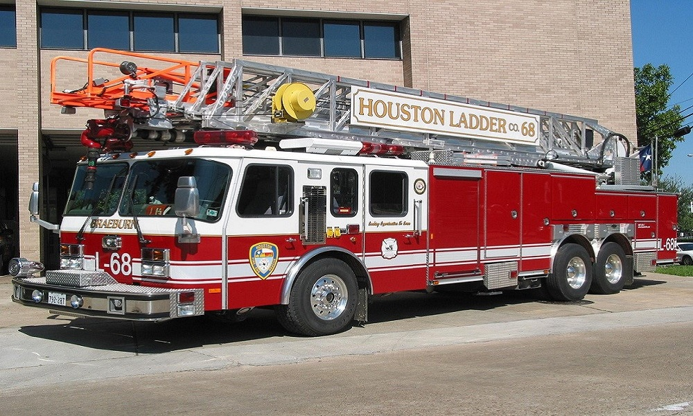 Seagrave Fire Apparatus >> Ladder 68 – Houston Firehouse 68